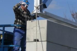Anbringung der Dachkonstruktion aus Stahl