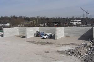Bau MEGABLOC-Halle   Montage eines Daches