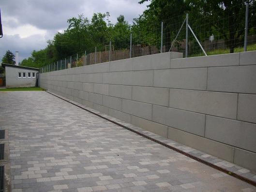 Hangabstützung supporting wall retaining wall megabloc